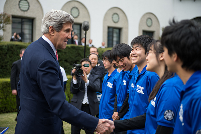 kerry-with-tokai-students-2