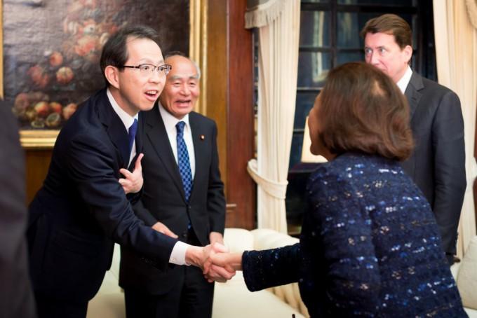 tomodachi-initiative-reception_u-s-ambassador-to-japan-william-f-hagerty_120717_7